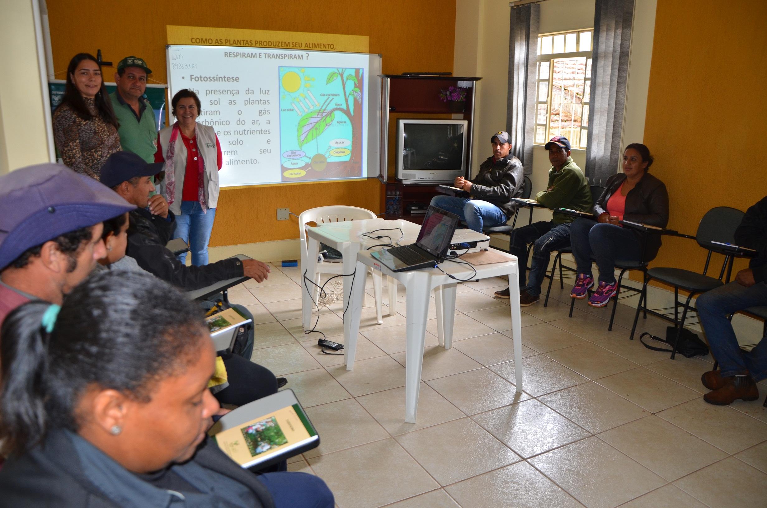 Prefeitura, Sindicato Rural e Senar ofertam curso de Jardinagem, em Andirá; curso começou hoje