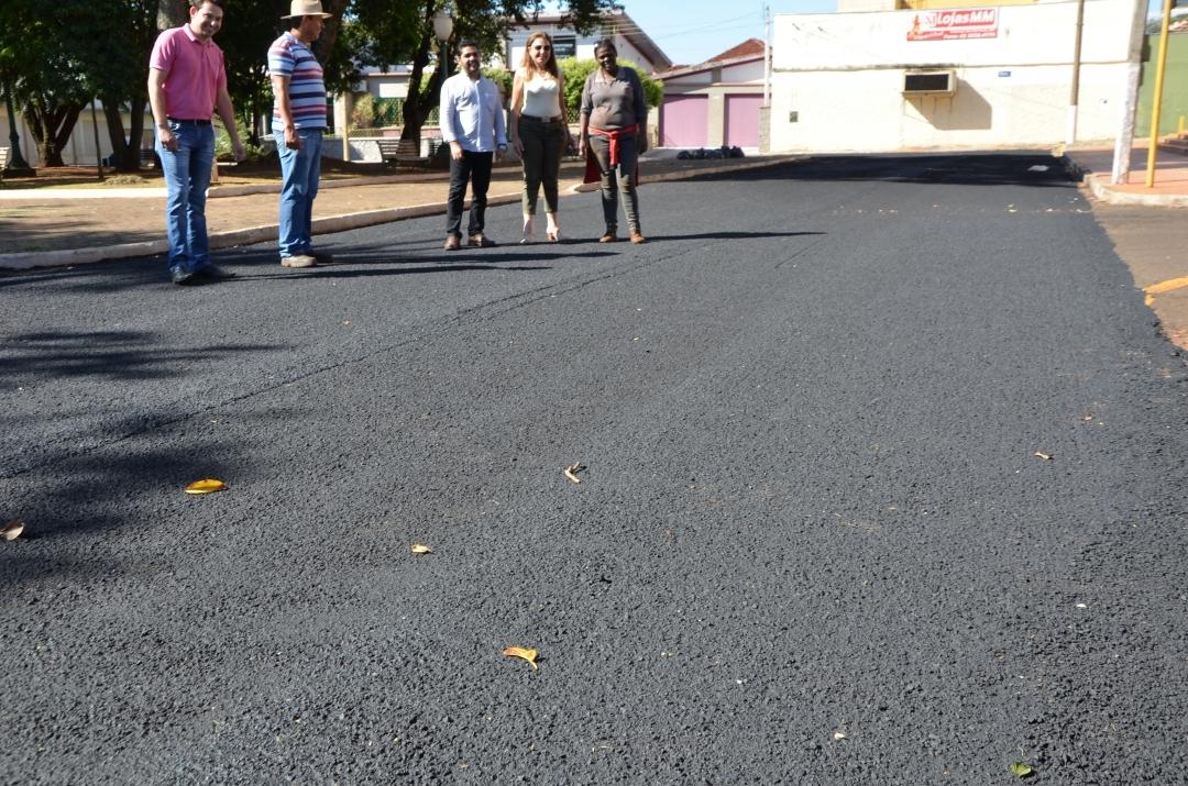 PREFEITURA EM AÇÃO: Ruas ao redor da Praça Santana recebem micropavimentação