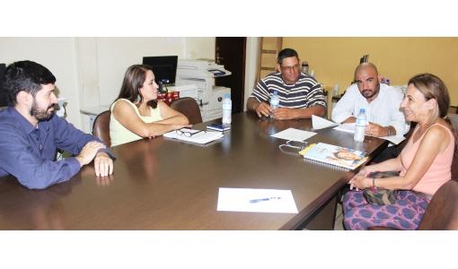 Prefeita e diretora da Fanorpi debatem projeto de meio ambiente realizado em Andirá