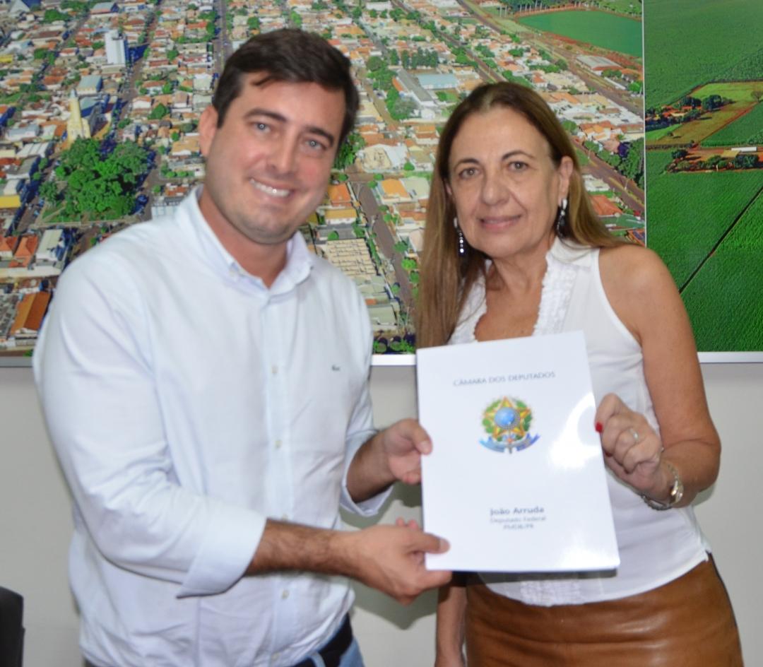 Em encontro com a Prefeita, Vice, Secretários e Vereadores, João Arruda apresenta emendas no valor de R$ 1, 1 milhão para Andirá