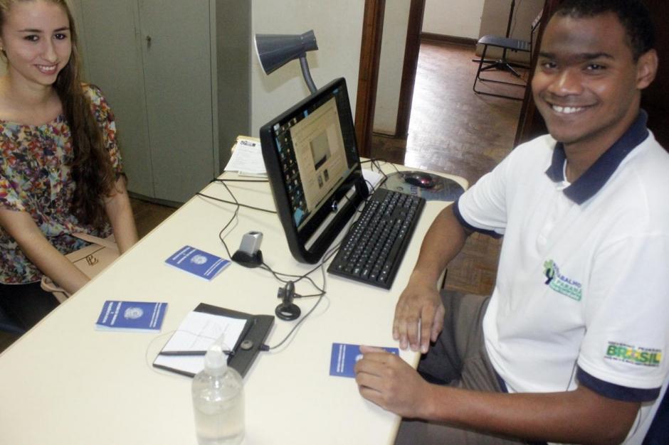Agência do Trabalhador reinicia emissão de carteira de trabalho