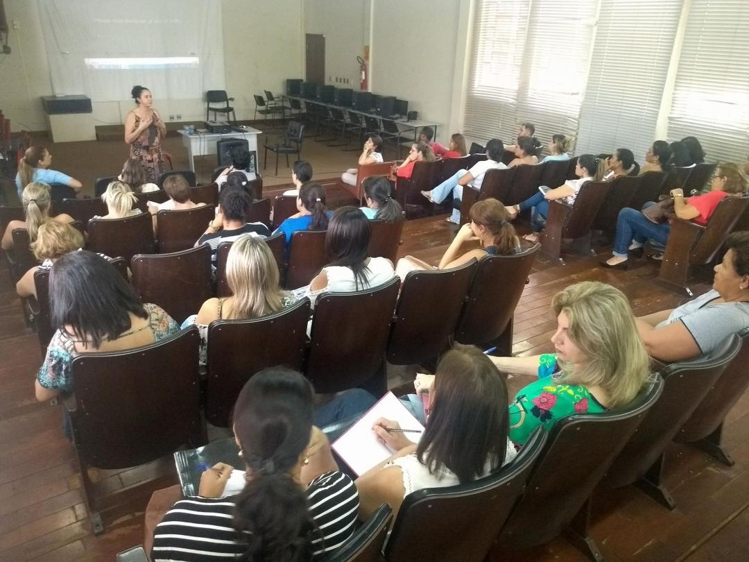 Secretaria de Educação de Andirá realiza capacitação para educação inclusiva