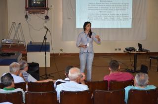 Frigorífico Jaguá-Frangos quer fechar parcerias com agricultores de Andirá. Prefeitura mobilizou encontro e dará apoio.