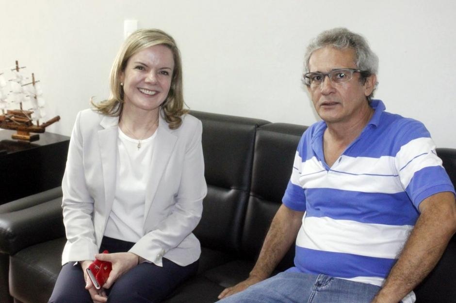 Prefeito Xavier recebe senadora Gleisi Hoffmann