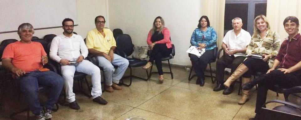 COMEÇA DIA 04 DE JUNHO: Feirão do Domingo mobiliza Prefeitura e Comerciantes de Andirá