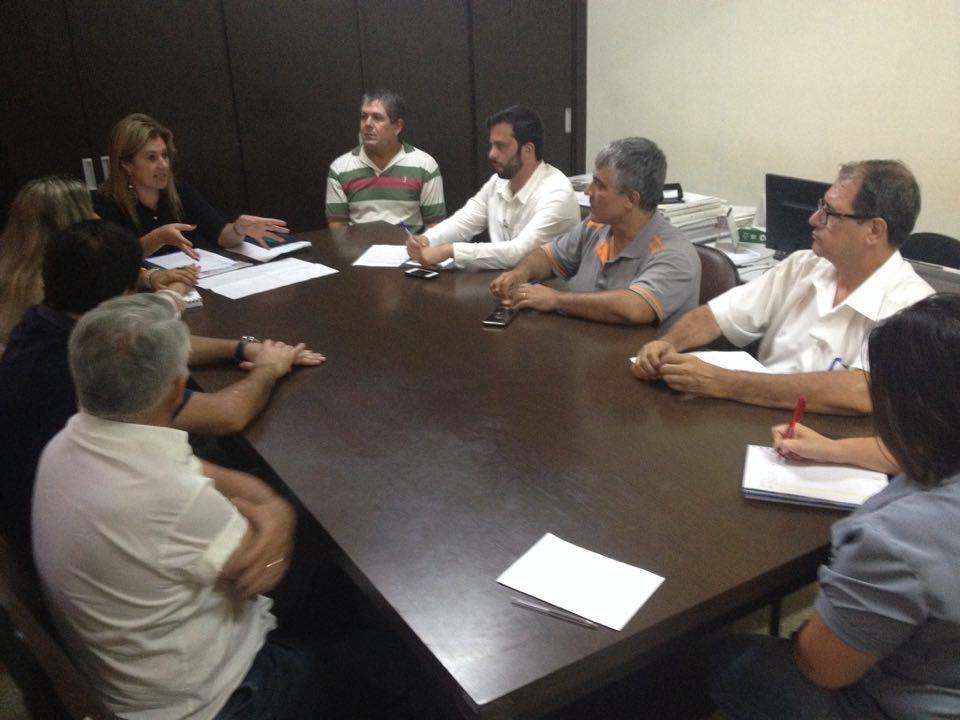 Secretaria de Desenvolvimento Econômico e Turismo apresenta projeto do Feirão do Domingo aos comerciantes