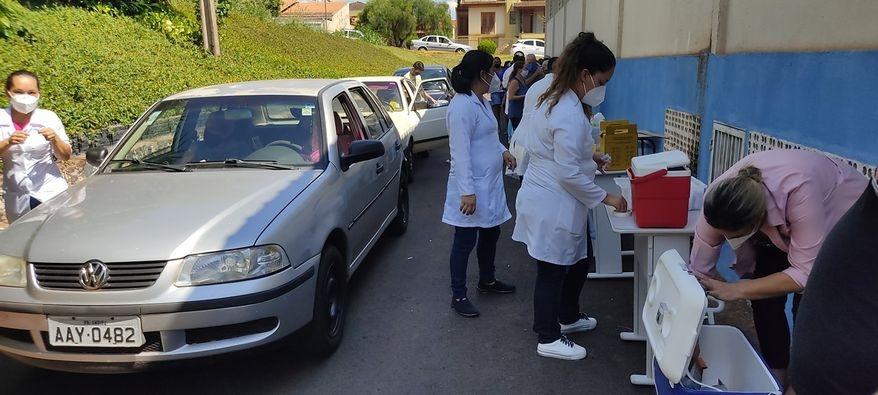 Vacinação a todo vápor em Andirá